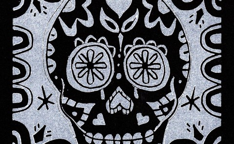 Skull White on Black